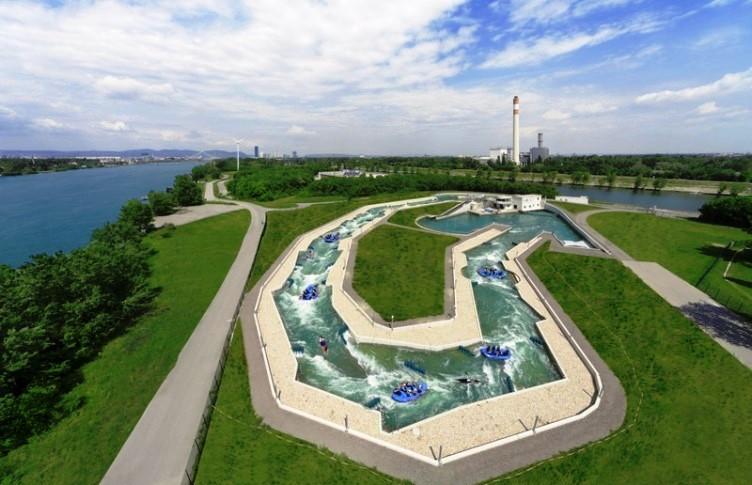 جزيرة الدانوب من اشهر اماكن السياحة في النمسا فيينا