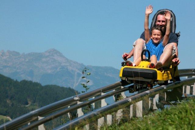 زحليقة كابرون من افضل الاماكن السياحية في كابرون النمسا