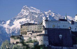 قلعة هوهن من اجمل الاماكن السياحية في سالزبورغ النمسا