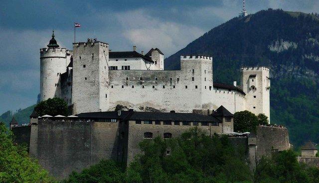 المدينة القديمة في سالزبورغ النمسا