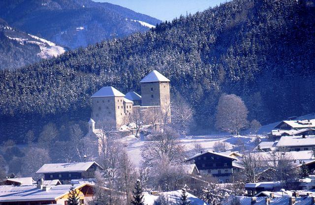 قلعة كابرون في النمسا