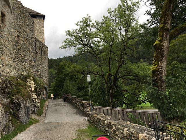 قلعة كابرون من افضل اماكن السياحة في كابرون النمساوية