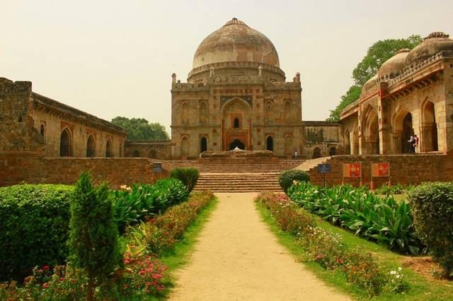 حدائق لودي في دلهي الهند