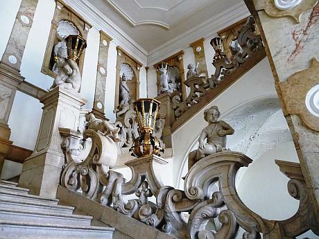 قصر ميرابيل من اجمل اماكن السياحة في سالزبورغ
