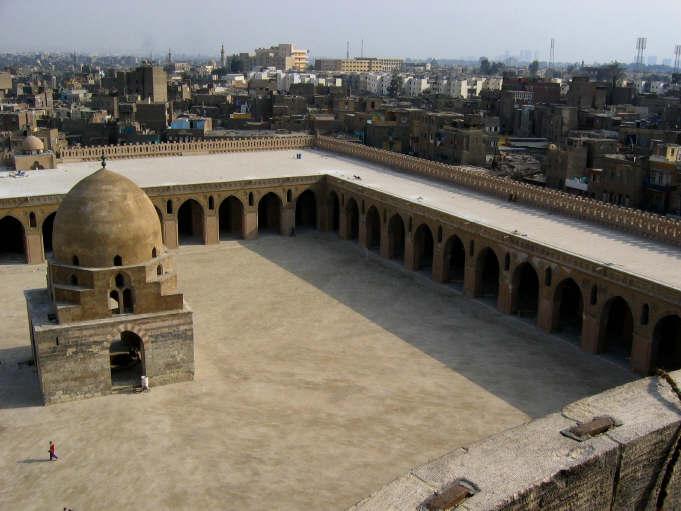جامع ابن طولون بالقاهرة