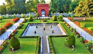 حديقة نيشات باغ من اجمل الاماكن السياحية في كشمير