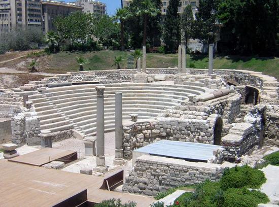 المسرح الروماني بالاسكندرية من افضل اماكن السياحة في مصر