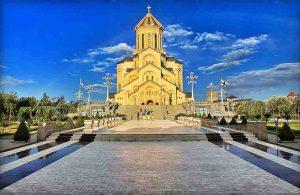 كاتدرائية الثالوث المقدس في تبليسي جورجيا