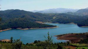 بحيرة وولار من اجمل الاماكن السياحية في كشمير الهند