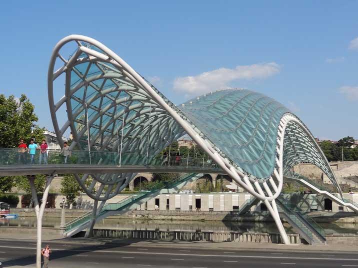 جسر السلام تبليسي