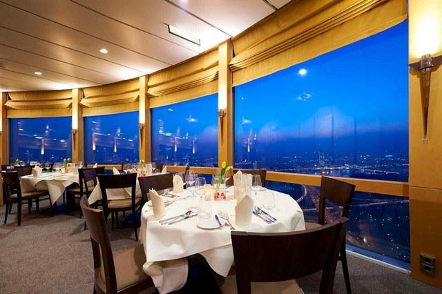 برج القاهرة من اهم اماكن السياحة في مصر - مطعم برج القاهرة