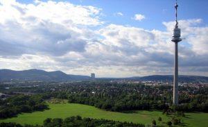 تعرف في المقال على افضل الانشطة السياحية في برج الدانوب فيينا ، بالإضافة الى افضل فنادق فيينا القريبة منه
