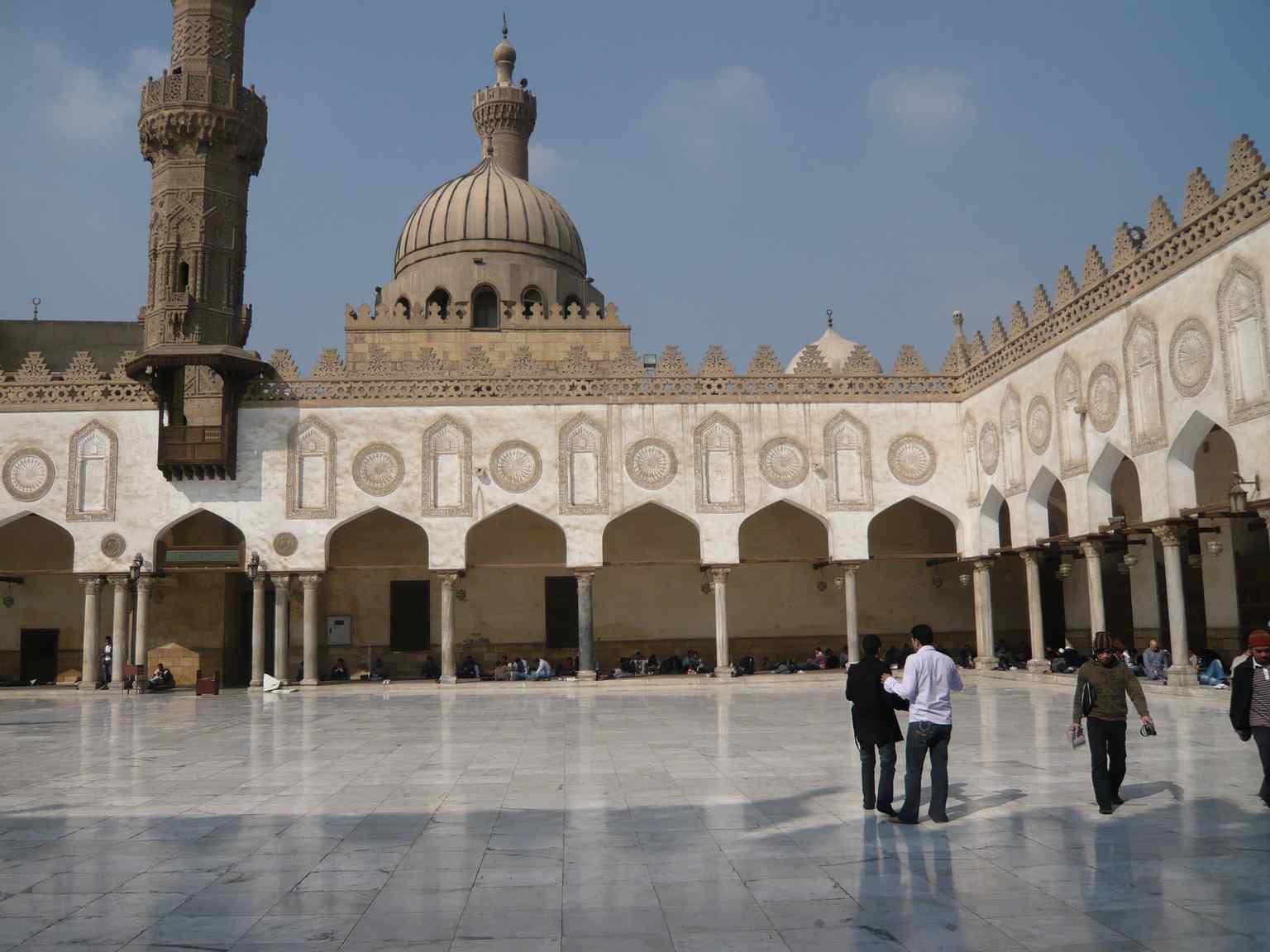 مسجد الإمام الحسين في القاهرة