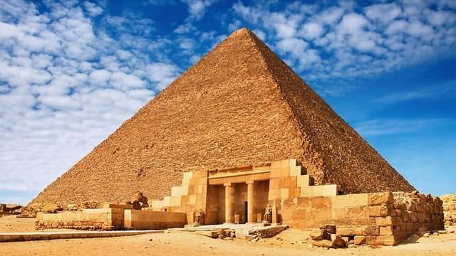 الاهرامات في مصر من اهم الاماكن السياحية في القاهرة - هرم خوفو - اهرامات مصر من الداخل