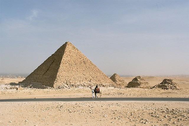 أهرامات الجيزة في القاهرة مصر - صور الاهرامات