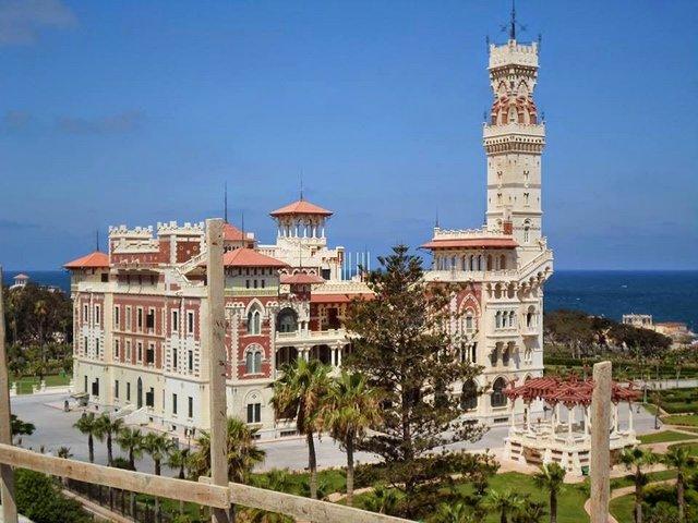 قصر المنتزه في الاسكندرية