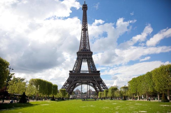 برج ايفل باريس من اهم معالم باريس السياحية