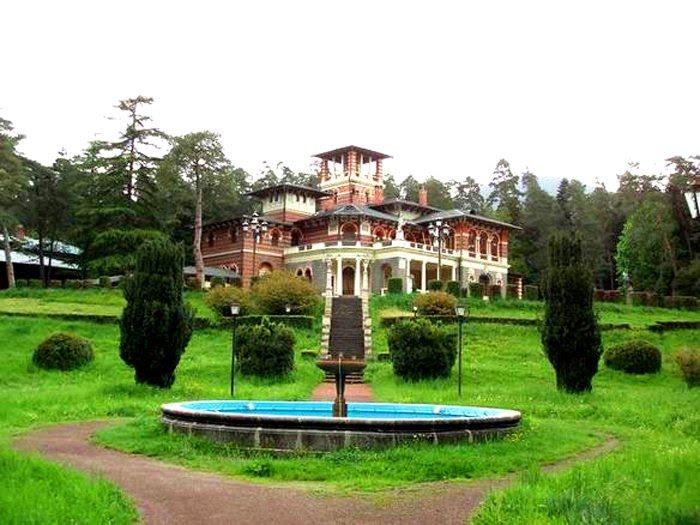 قصر رومانوف بورجومي جورجيا