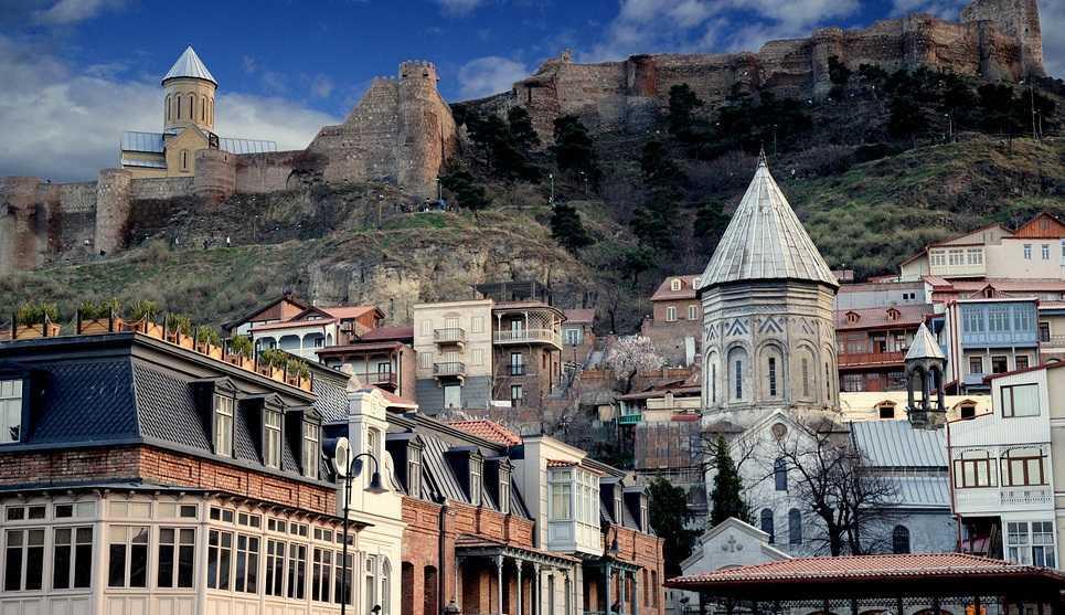 تعرف في المقال على اماكن سياحية قريبة من جسر السلام تبليسي جورجيا