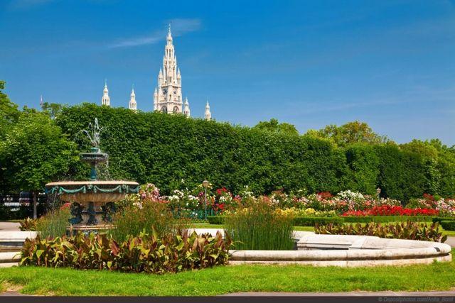 حديقة الزهور من افضل حدائق فيينا النمسا