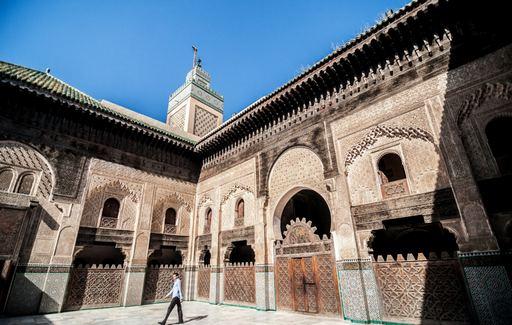 المدرسة البوعنانية من اهم اماكن السياحة في المغرب فاس