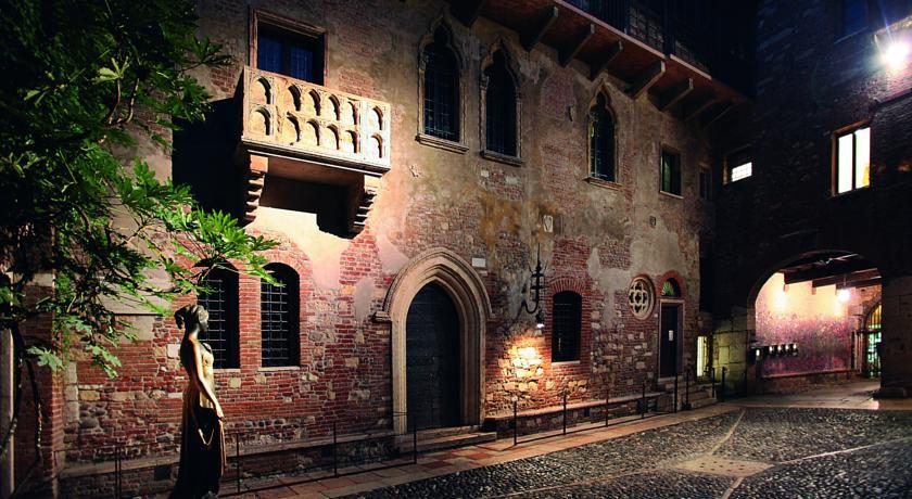 منزل جولييت من اهم اماكن السياحة في ايطاليا فيرونا