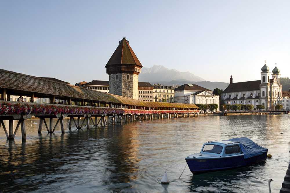 جسر تشابل من افضل الاماكن السياحية في لوزيرن سويسرا