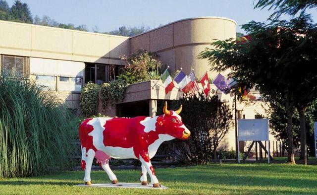 مصنع البروس للشوكولاتة لوغانو سويسرا
