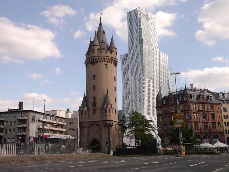 برج ايشنهايم من اهم الاماكن السياحية في فرانكفورت