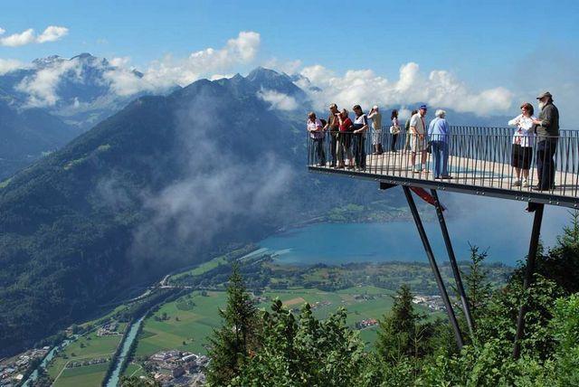 قمة هاردر كولم في سويسرا انترلاكن