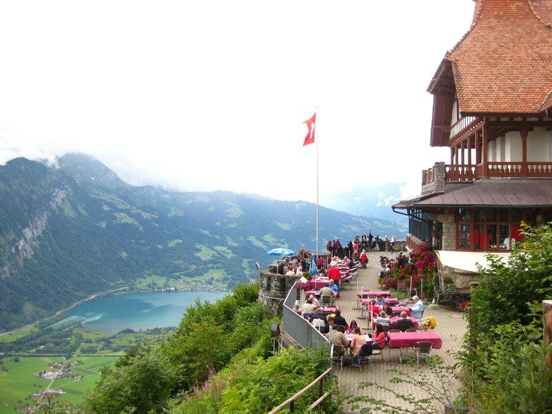 جبل هاردر كولم من اجمل اماكن السياحة في انترلاكن سويسرا