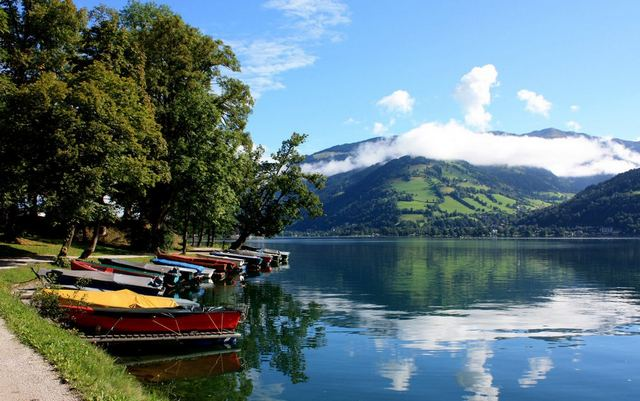 بحيرة زيل من اهم الاماكن السياحية في زيلامسي النمسا