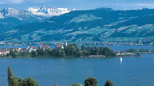بحيرة زيورخ سويسرا من اجمل الاماكن السياحية في زيورخ سويسرا واحد معالم السياحة في زيورخ الهامة