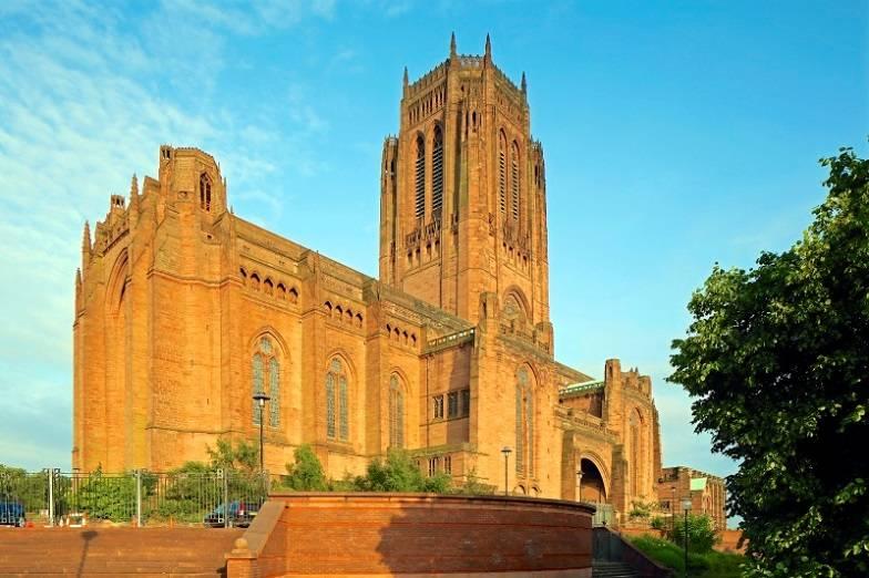كاتدرائية ليفربول من اهم معالم السياحة في انجلترا ليفربول