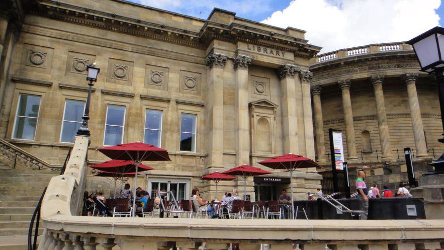 مكتبة ليفربول المركزية من اشهر معالم السياحة في انجلترا