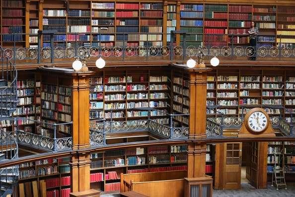 المكتبة المركزية في ليفربول انجلترا