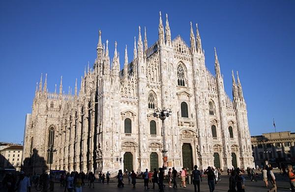 كاتدرائية ميلان من اهم الاماكن السياحية في ميلان