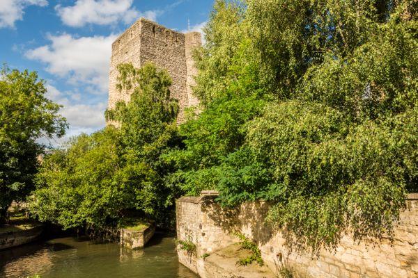 قلعة اكسفورد من اشهر اماكن السياحة في انجلترا