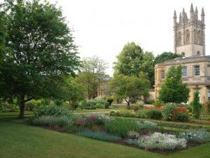 حديقة جامعة اكسفورد النباتية من اجمل الاماكن السياحية في اكسفورد انجلترا