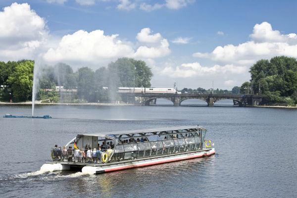 بحيرة اليستر من اجمل الاماكن السياحية في هامبورغ