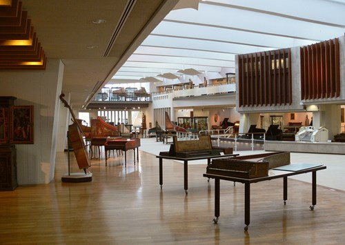 متحف الآلات الموسيقية في مدينة برلين ، حيث يعتبر من اهم الاماكن السياحية في برلين
