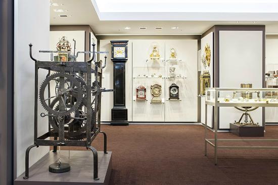 متحف باير للساعات زيورخ سويسرا من اهم اماكن سياحية في زيورخ سويسرا في مدينة زيورخ السويسرية