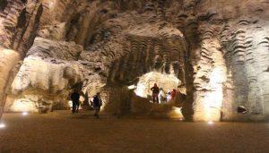 تعرف في المقال على افضل الانشطة السياحية في مغارة هرقل طنجة ، بالإضافة الى افضل فنادق طنجة القريبة منها.