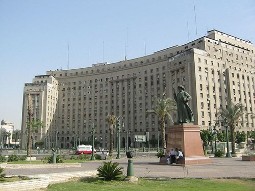 ميدان التحرير من اهم الاماكن السياحية في القاهرة مصر