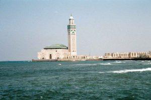 مسجد الحسن الثاني من اهم معالم السياحة في الدار البيضاء المغرب