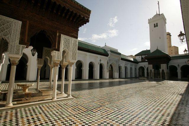 جامع القرويين من اهم معالم مدينة فاس المغرب