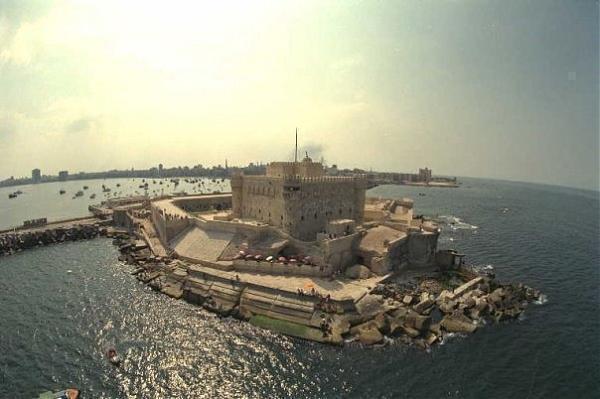 قلعة قايتباي من اشهر اماكن السياحة في الاسكندرية