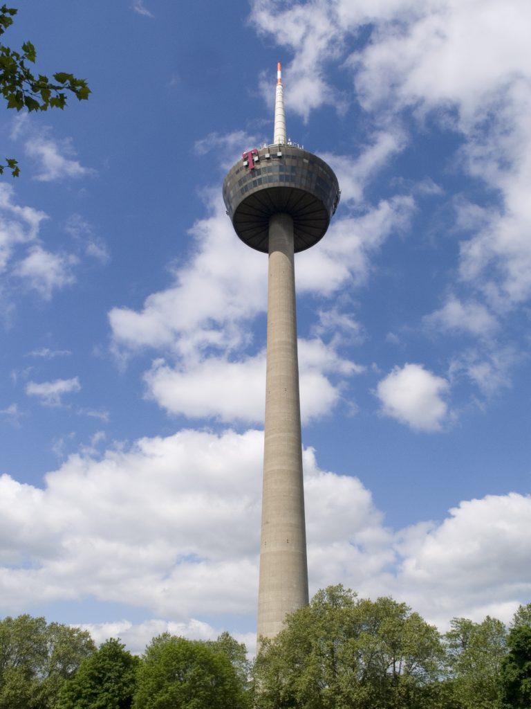 برج كولون من افضل الاماكن السياحية في مدينة كولون
