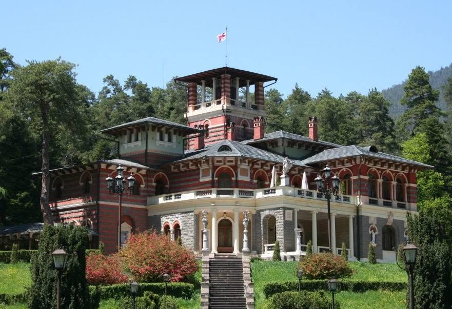 قصر رومانوف في بورجومي جورجيا - من اماكن سياحية في بورجومي