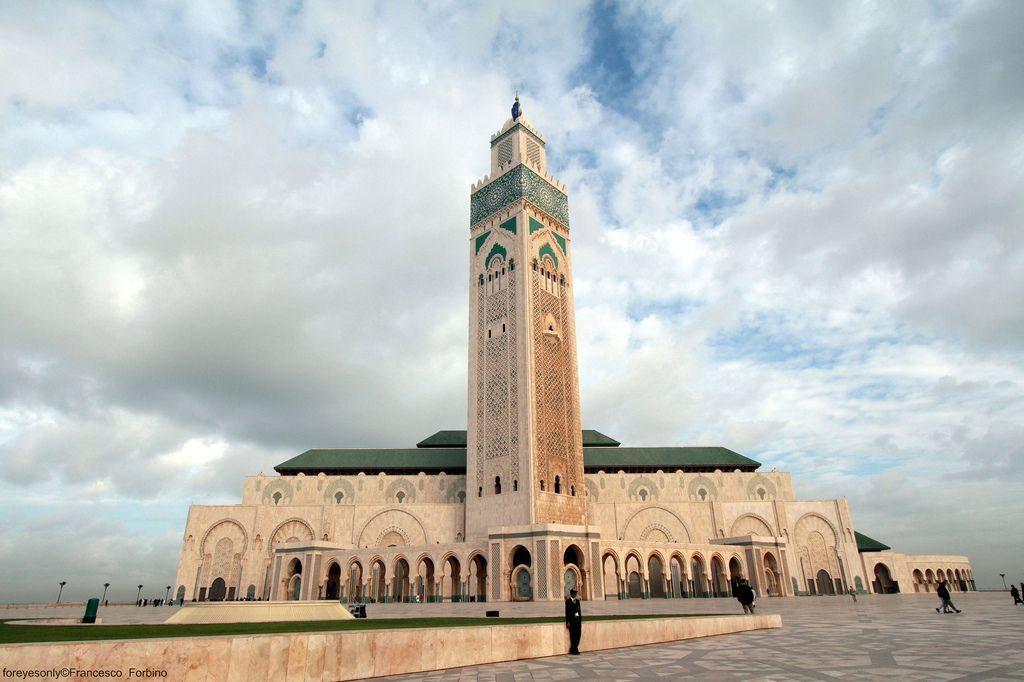 مسجد الحسن الثاني من اهم الاماكن السياحية في الدار البيضاء